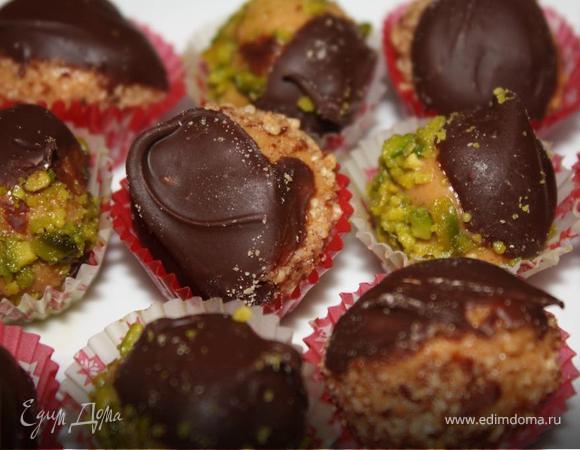 Арахисовое печенье с темным шоколадом и фисташками без выпекания