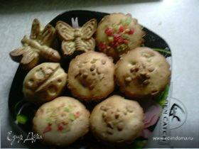 Кексики с цукатами и кедровыми орешками