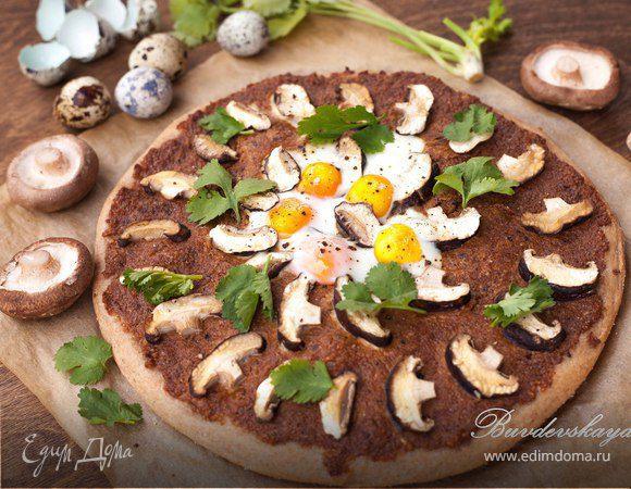Пицца с шиитаке и пастой из грецкого ореха