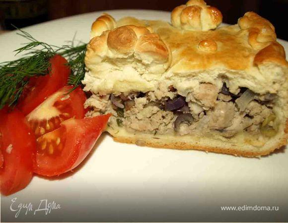 Пирог со свининой и красным луком