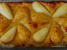 Тарт с грушами в абрикосовой глазури