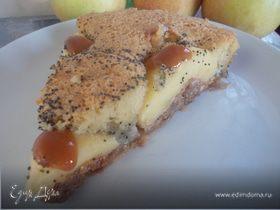 Маковый пирог с карамельными яблочками