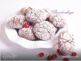 Шоколадно-миндальные «снежки» с вишней