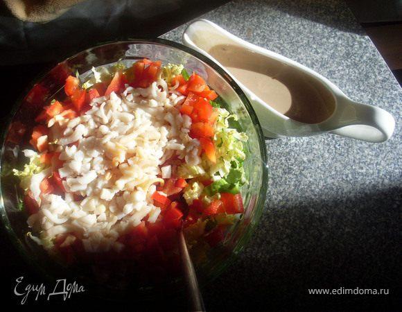 Салат с кальмарами и диетической заправкой