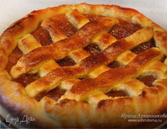 Дрожжевой пирог с яблочным джемом