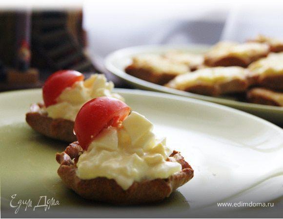 Карельские пирожки с картошкой и яичным соусом