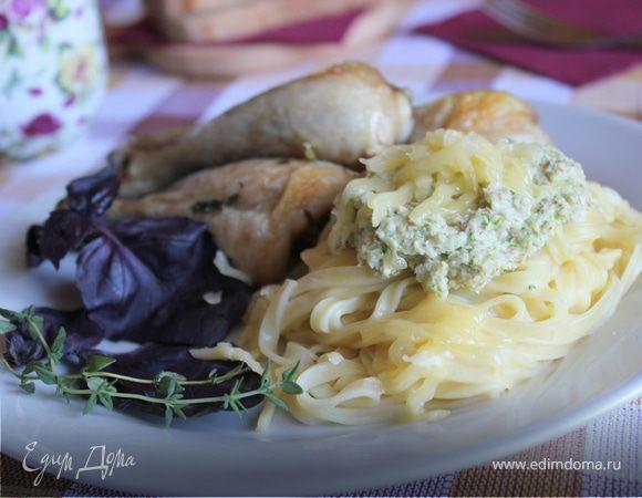Татьятелле с соусом из миндаля и болгарского перца