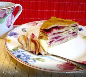 """Блинный пирог с брусникой и яблоками """"Весенний день горяч и золот"""""""