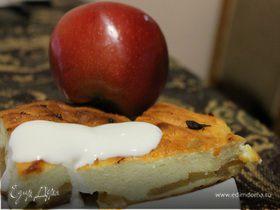 Творожная запеканка с яблоками и корицей