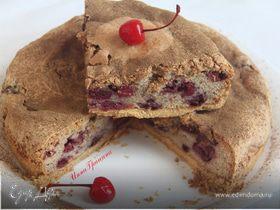 Кунжутный пирог с вишней