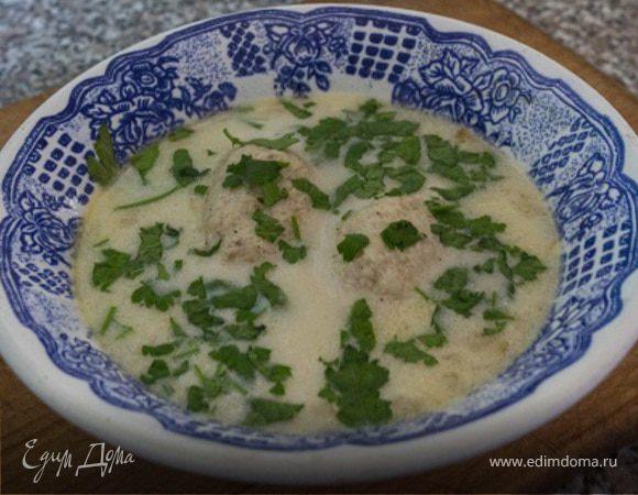 Сырный суп с рисом и куриными кнелями