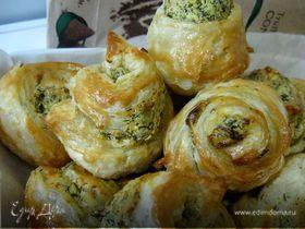 Ленивые плюшки с рийетом из брынзы с чесноком и зеленью