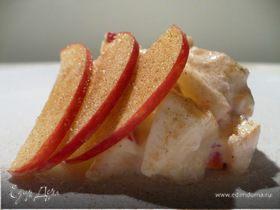 Творожный крем с яблоком и корицей
