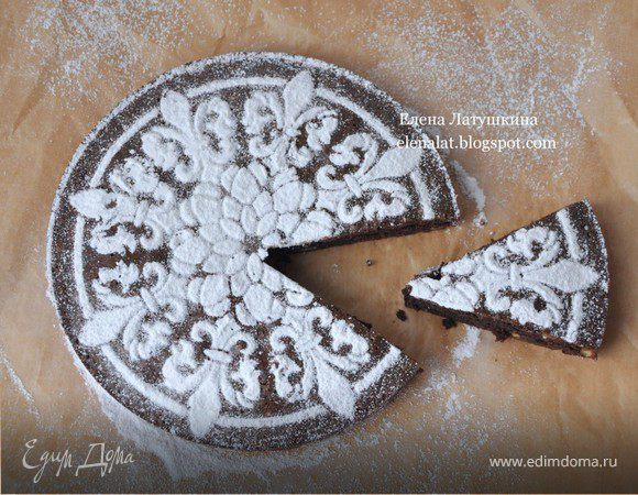 Черемуховый пирог с миндалем и грецкими орехами