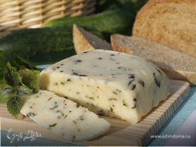 Домашний сыр с базиликом