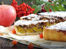 Пряный пирог с тыквой и орехами