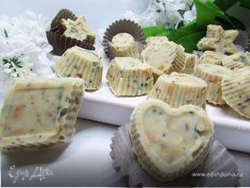 Конфеты из белого шоколада с орешками и цукатами
