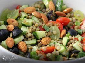 Итальянский салат из чечевицы и винограда