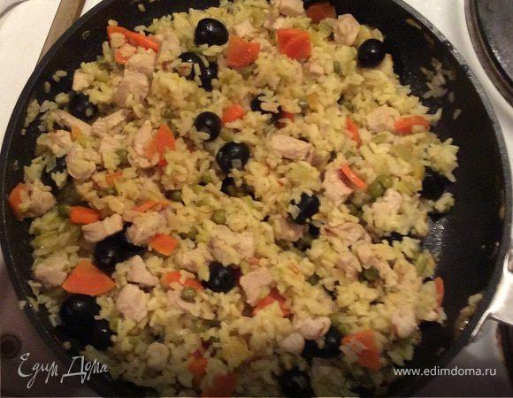 Паэлья с курицей и овощами