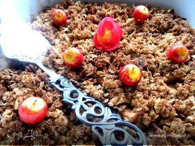 Яблоки, запеченные под овсяным крамблом