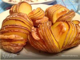 Запеченная картошка с салом и розмарином
