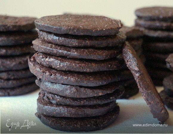 Шоколадное вафельное печенье