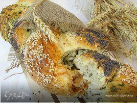 Хлеб с зеленью и красным перцем