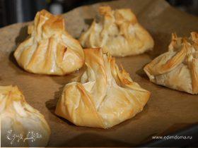 Пирожки из теста фило с рисом и грибами