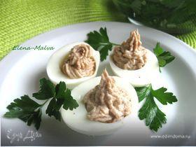 Яйца с пармезаном и тунцом