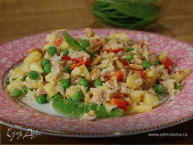 Рисовый салат с курицей, ананасом и сладким перцем
