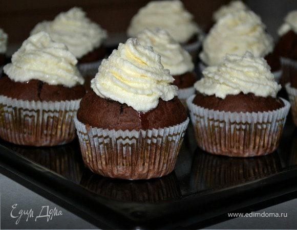 Шоколадные капкейки с белково-масляным кремом