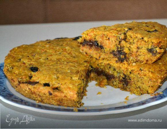 Тыквенный пирог с черносливом и шоколадом