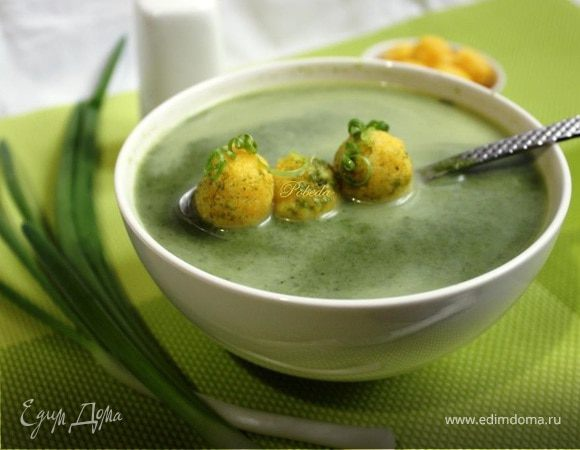 Суп из шпината с сырными шариками