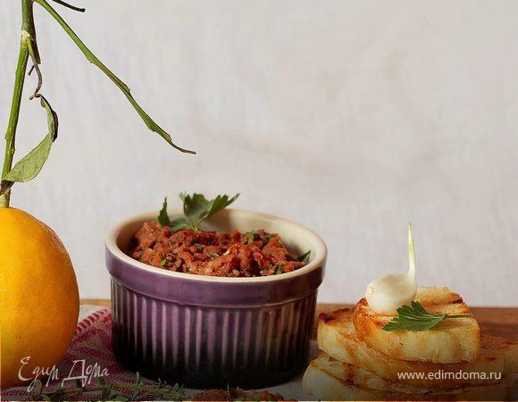 Паштет из вяленых томатов и белой фасоли