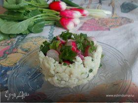 Творожная корзинка с салатом