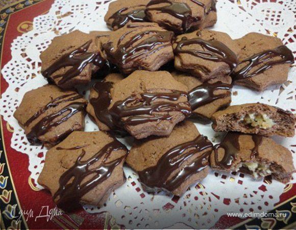 Шоколадное печенье с марципановой начинкой
