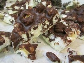 Шоколад с кешью и попкорном