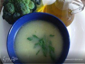 Греческий суп-пюре с брокколи