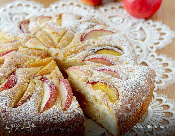 Пирог с нектаринами и кукурузной мукой