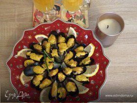 Чилийские мидии в шафрановом соусе и мандариновое желе со специями