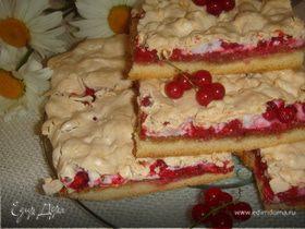 Пирог с красной смородиной и безе