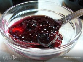 Варенье-пятиминутка из смородины с имбирем