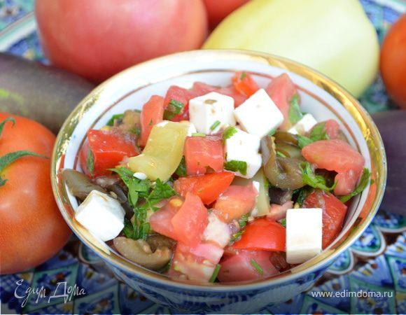 Теплый салат с баклажанами и фетой