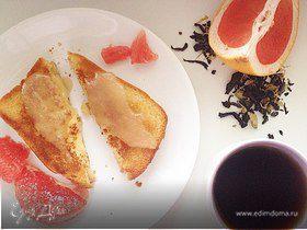 Двойная гренка без яиц с медом и грейпфрутом