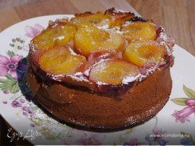 Пирог-перевертыш с персиками