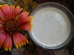 Овсяно-молочный коктейль со сливовым вареньем