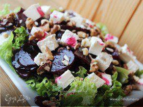 Салат из маринованной запеченной свеклы с фетой