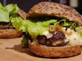 Чизбургеры с грибами