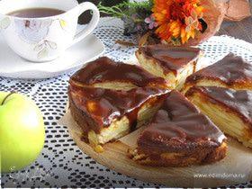 Грушево-яблочный пирог с карамелью