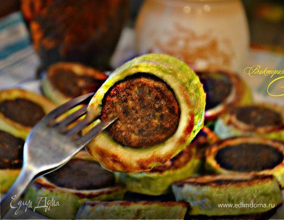 Печеночные оладьи в кабачках